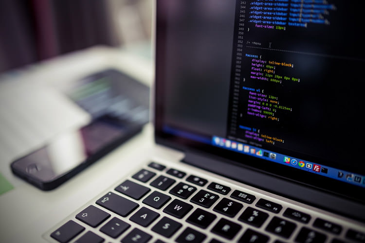 بهترین زبان های برنامه نویسی برای یادگیری درسال ۲۰۱۸