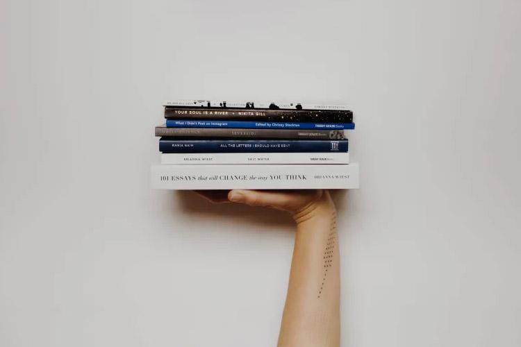 با ترک کردن شبکههای اجتماعی، سالیانه چند کتاب میتوان خواند؟
